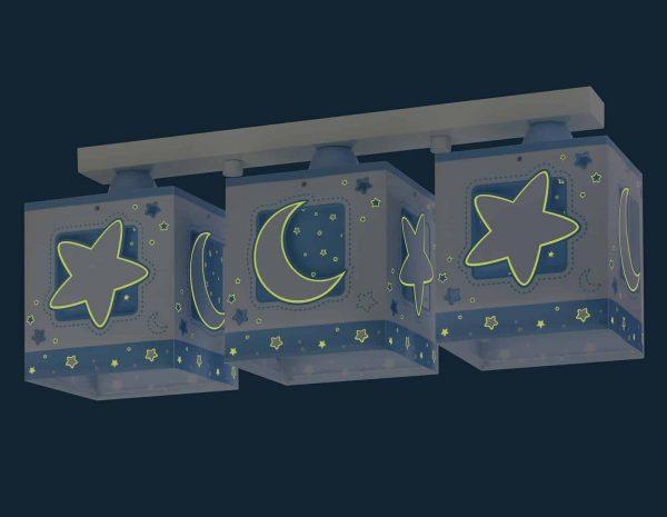 να παίξουν και να κοιμηθούν παρέα με τον αγαπημένο τους ήρωα. Η μαγεία συνεχίζετε ακόμα και στο σκοτάδι με τα φωσφορίζοντα μέρη του στο εξωτερικό τοίχωμα των φωτιστικών του σωμάτων. Το MoonLight Blue τρίφωτο φωτιστικό οροφής σε ράγα συμπληρώνει τα υπόλοιπα παιδικά φωτιστικά της συλλογής.