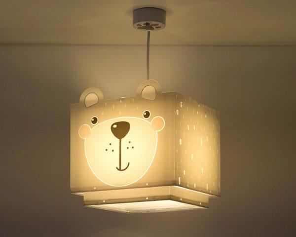 να παίξουν και να κοιμηθούν παρέα με τον αγαπημένο τους ήρωα. Το Little Teddy κρεμαστό φωτιστικό οροφής συμπληρώνει τα υπόλοιπα παιδικά φωτιστικά της συλλογής και είναι εξαιρετικά εύκολο στην εγκατάστασή του.