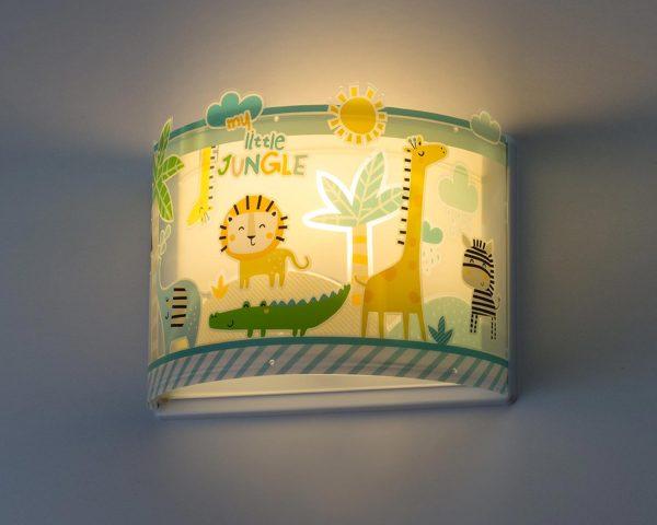κατάλληλο για παιδιά και ιδανικά σχεδιασμένο για γενικό ή συμπληρωματικό φωτισμό. Φωτίζει και προσθέτει διασκεδαστικό χαρακτήρα και χαρούμενο άγγιγμα σε κάθε παιδικό δωμάτιο. Παρέχει ομοιόμορφο άπλετο φως δημιουργώντας περιβάλλον που ενθαρρύνει τα παιδιά να επιδοθούν σε ότι τους αρέσει περισσότερο στην διασκέδαση και την δημιουργικότητα! Το My Little Jungle φωτιστικό απλίκα συμπληρώνει τα υπόλοιπα παιδικά φωτιστικά της συλλογής και είναι κατασκευασμένο εξ ολοκλήρου στην Ευρώπη.