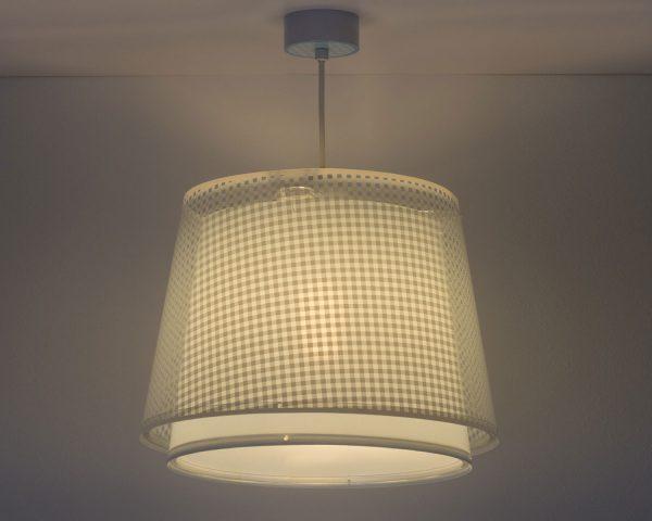 Το Vichy Blue κρεμαστό παιδικό φωτιστικό οροφής διπλού τοιχώματος είναι μεγάλο σε μέγεθος και είναι κατάλληλο για γενικό φωτισμό. Συνθετικό υλικό αντοχής από πολυπροπυλένιο