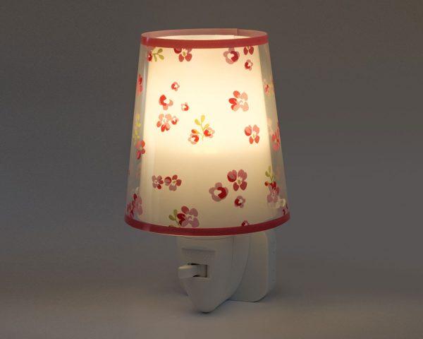 καθώς και την ελάχιστη κατανάλωση ρεύματος. Κρύο στην επαφή διατίθεται με ενσωματωμένο διακόπτη ώστε να μην χρειάζεται να βγει από την πρίζα όταν δεν ανάβει. Το Dream Flowers Pink φωτιστικό νύκτας πρίζας LED συμπληρώνει τα υπόλοιπα φωτιστικά της συλλογής.